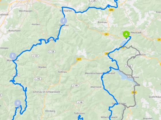 Streckenabschnitt einer Tour durch den Südschwarzwald, danach gibt´s bei keinem mehr nen Angststreifen auf dem Gummi - Kurven satt