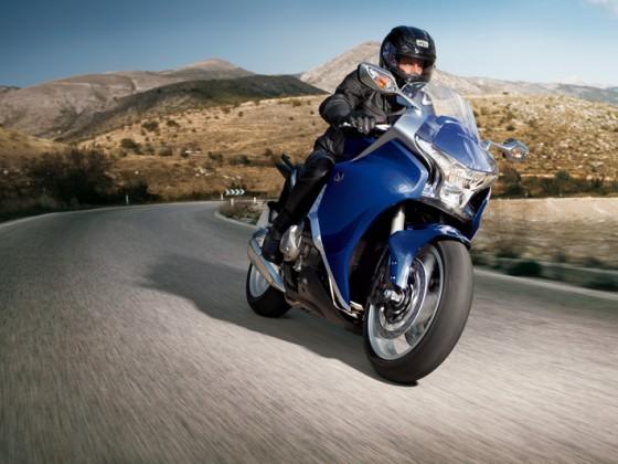 Honda_VFR1200F_DCT_SC63_2012_-_11