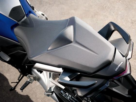 Honda_VFR1200F_DCT_SC63_2012_-_10