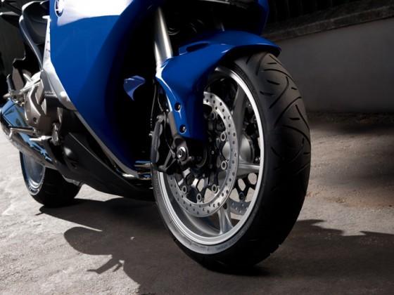 Honda_VFR1200F_DCT_SC63_2012_-_12