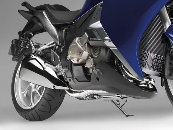 Honda_VFR1200F_DCT_SC63_2012_-_19