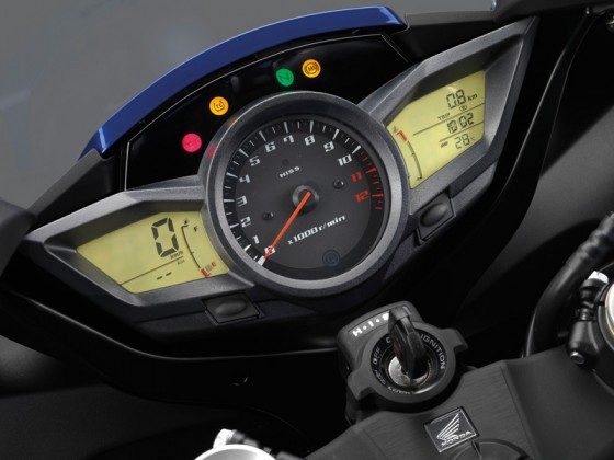 Honda_VFR1200F_DCT_SC63_2012_-_15